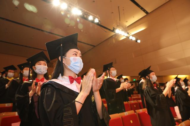 The graduation ceremony of Nankai University. (Xinhua/Nie Jici)
